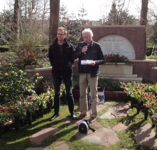 Herdenking-2015-Westerveld_1-Ron-Blom-en-Bart-van-der-Steen-tijdens-de-herdenking